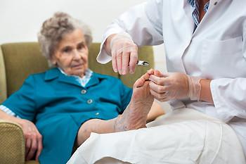 Ošetření seniorky